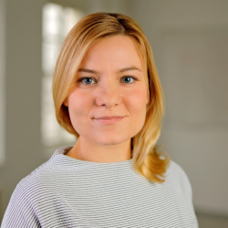 Kathleen Neher, Volljuristin (Ass.jur.)/ Kindheitspädagogin (staatl.anerk.)